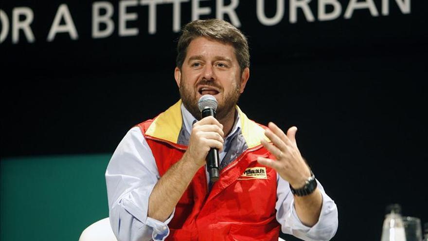 Claudio Orrego gana las primarias de la Democracia Cristiana chilena