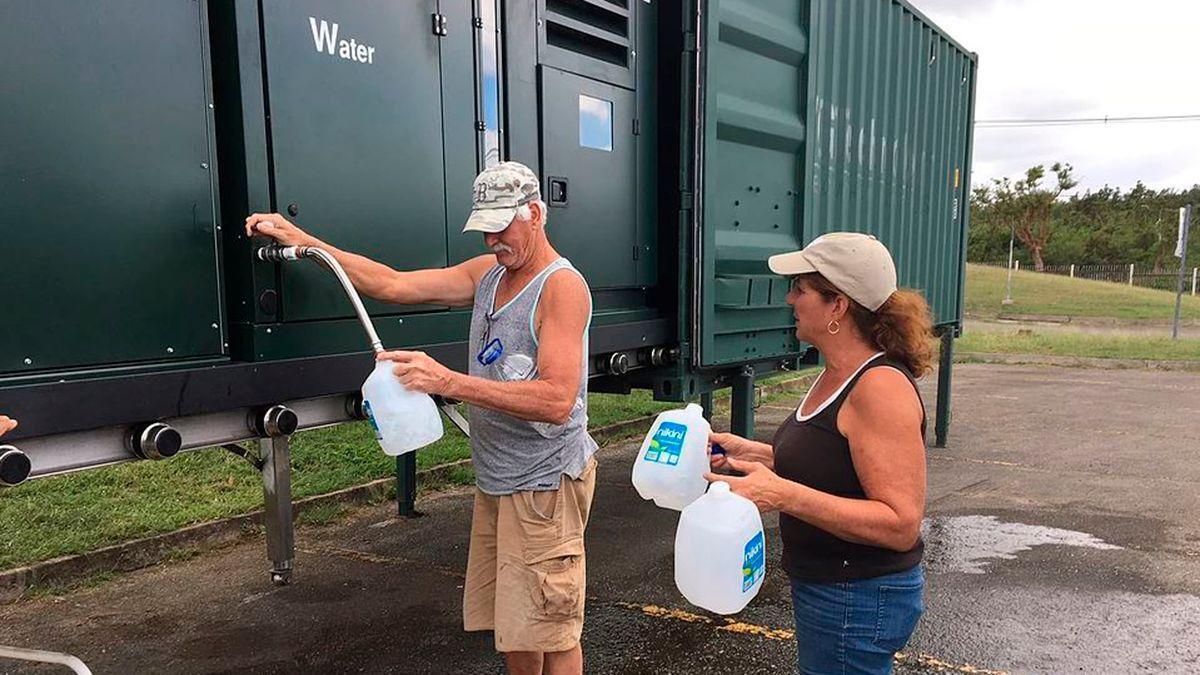 Generador de agua tras el paso del huracán María en Puerto Rico.