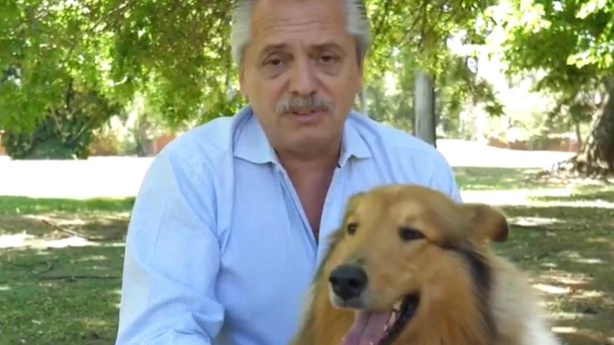 Alberto Fernández grabó el spot de Año Nuevo junto a Dylan.