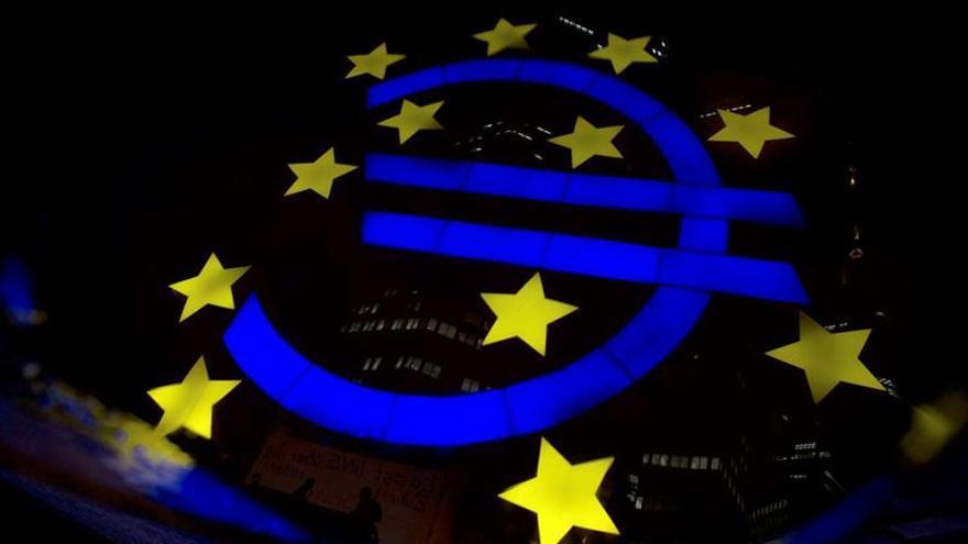 El BCE rebajará las compras de deuda a 15.000 millones y las concluirá en diciembre