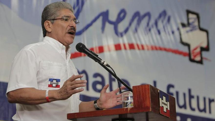 Los candidatos a la Presidencia salvadoreña continúan en una cerrada lucha