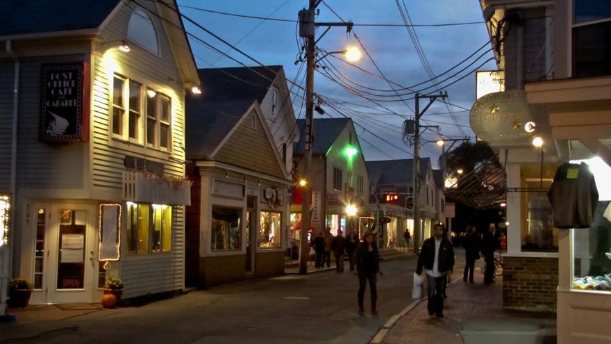 Escena nocturna en Provincetown, en el extremo norte de Cape Cod.