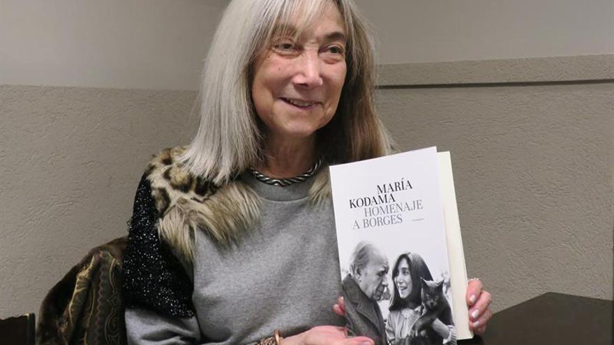 María Kodama rinde homenaje a Borges en un libro con todas sus conferencias