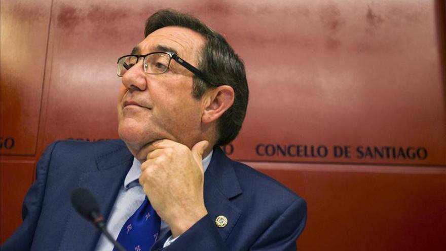 Ángel Currás dimite como concejal en Santiago