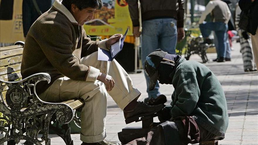 Declaran el 2 de diciembre Día Nacional del Lustrabotas en Bolivia