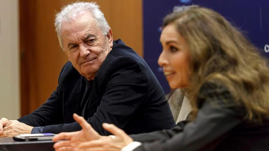 Víctor Manuel y Ana Belén, este miércoles en la sede de la Fundación CajaCanarias, en la capital tinerfeña