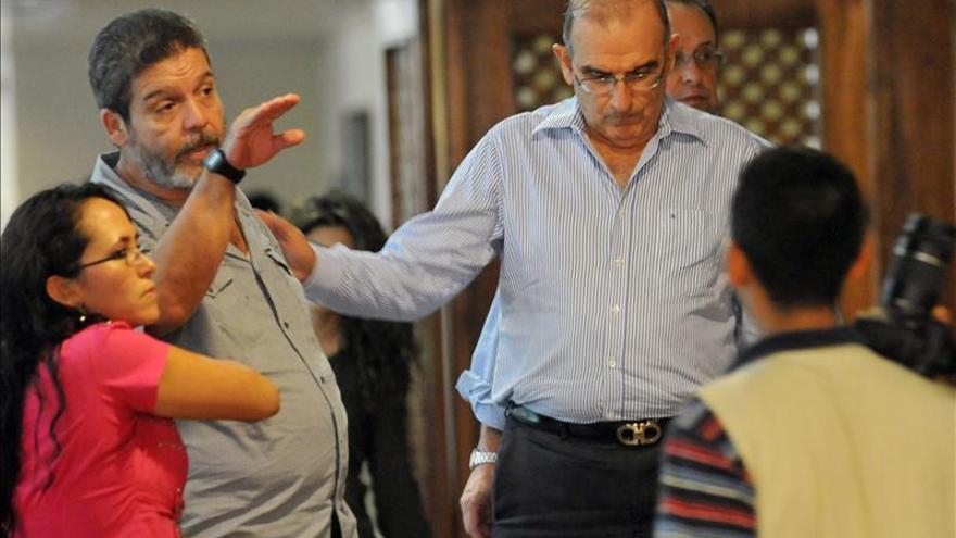 El ELN respalda acuerdo político con las FARC porque garantiza la democracia