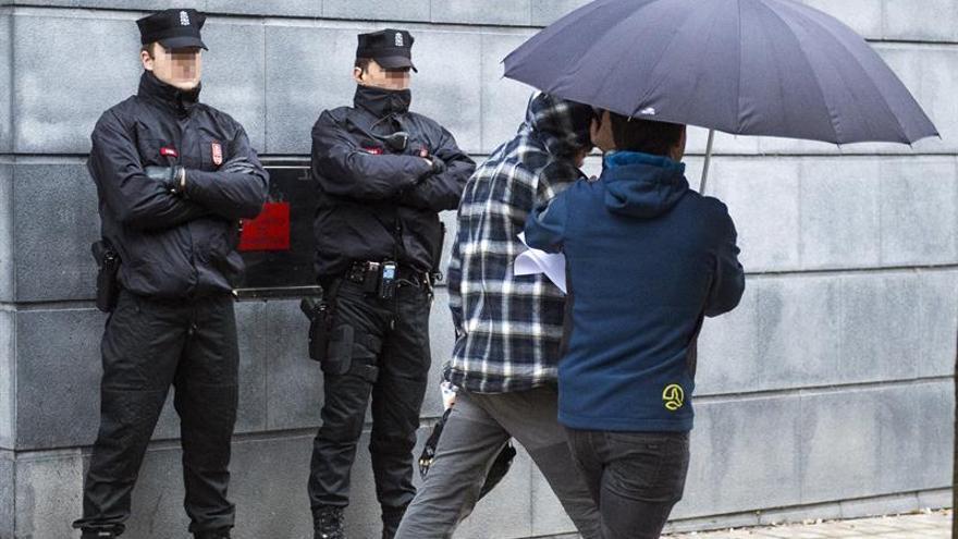 En libertad con cargos los dos detenidos por la agresión a guardias civiles