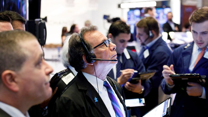 Wall Street abre en rojo y el Dow Jones baja un 0,44 %