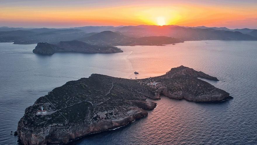 Imagen aérea de Tagomago, islote situado cerca de las costas de Ibiza