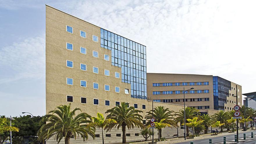Palacio de Justicia de Santa Cruz, en la avenida Tres de Mayo, en Santa Cruz