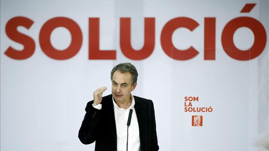 "Zapatero reprocha a una ""patética"" CDC que ""levante demonios de historia"""