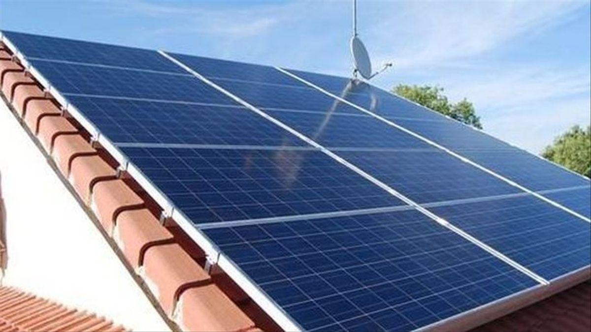 Imagen de archivo de placas solares.