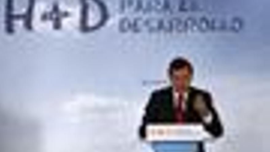 """Rajoy se compromete a """"liderar la esperanza"""" de los españoles porque Zapatero """"se equivoca"""""""