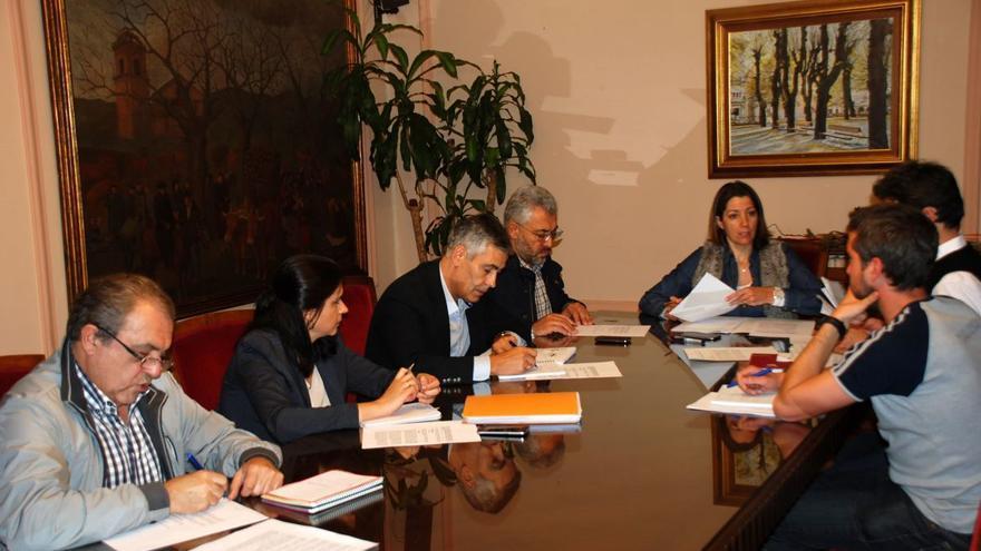 La alcaldesa de Lugo, reunida con los grupos de la oposición