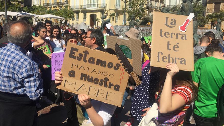 Algunos de los jóvenes concentrados en Valencia