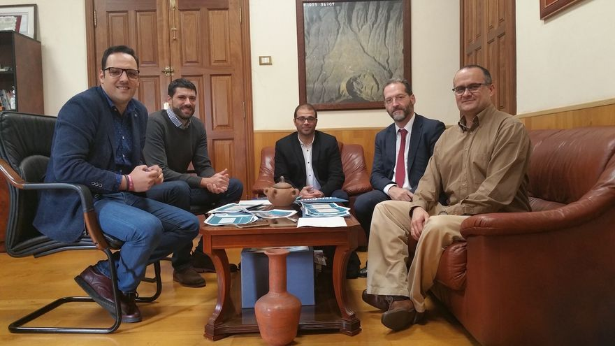 En la imagen, reunión mantenida este jueves en el Ayuntamiento de Breña Alta.