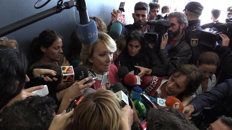 Esperanza Aguirre se desmorona al hablar de Ignacio González a la salida de la Audiencia Nacional