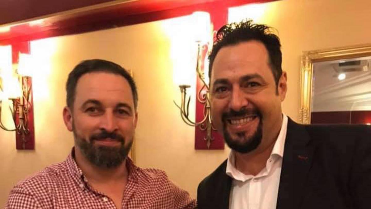 José Manuel Martínez Ayala junto a Santiago Abascal en enero de 2019