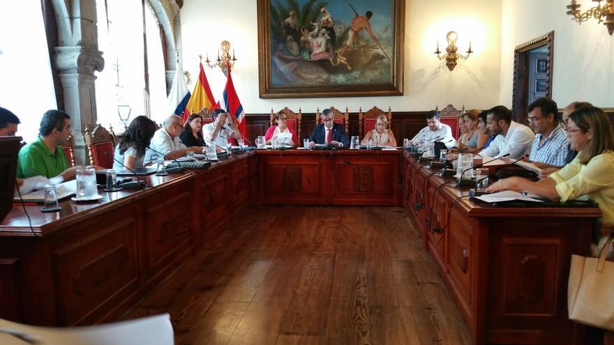 En la imagen, sesión plenaria celebrada este lunes. Foto: LUZ RODRÍGUEZ.