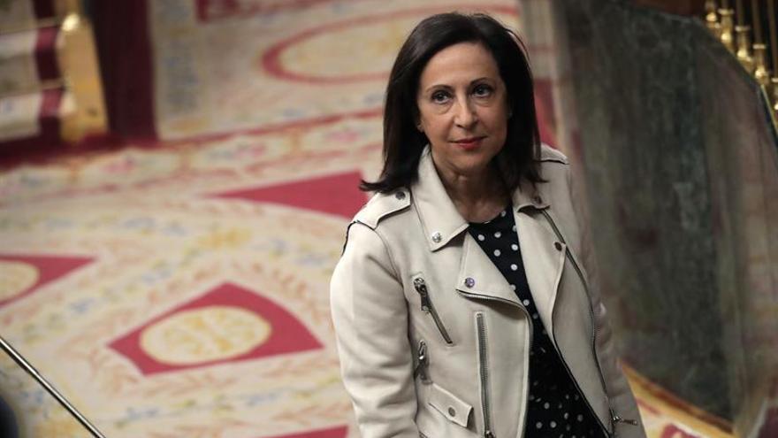 Margarita Robles pide a PDeCAT y ERC que no acepten la tiranía de Puigdemont