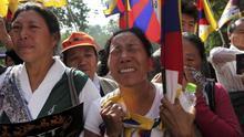 Detienen a dos tibetanos por incitar a prenderse fuego a lo bonzo