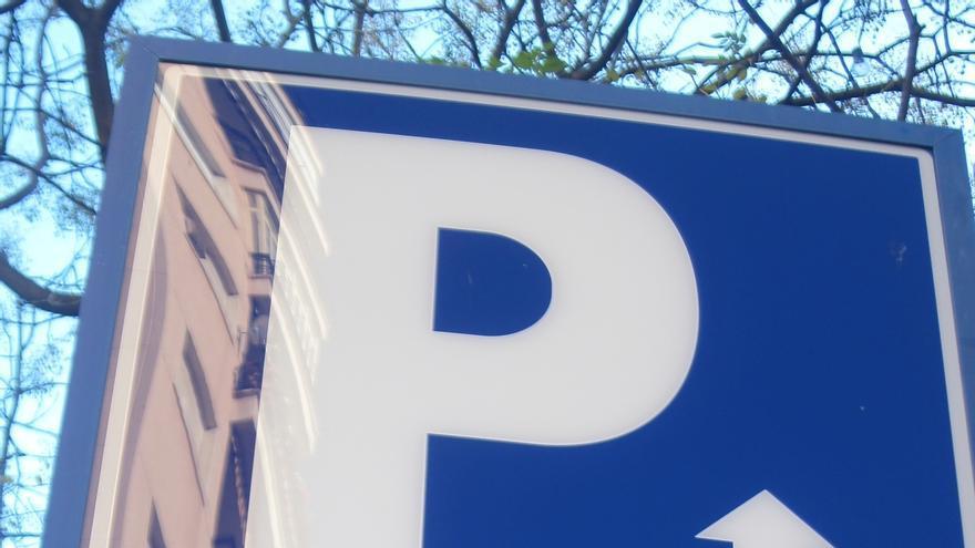 Estacionar cinco horas en uno u otro parking de Pamplona puede suponer un ahorro de 5 euros