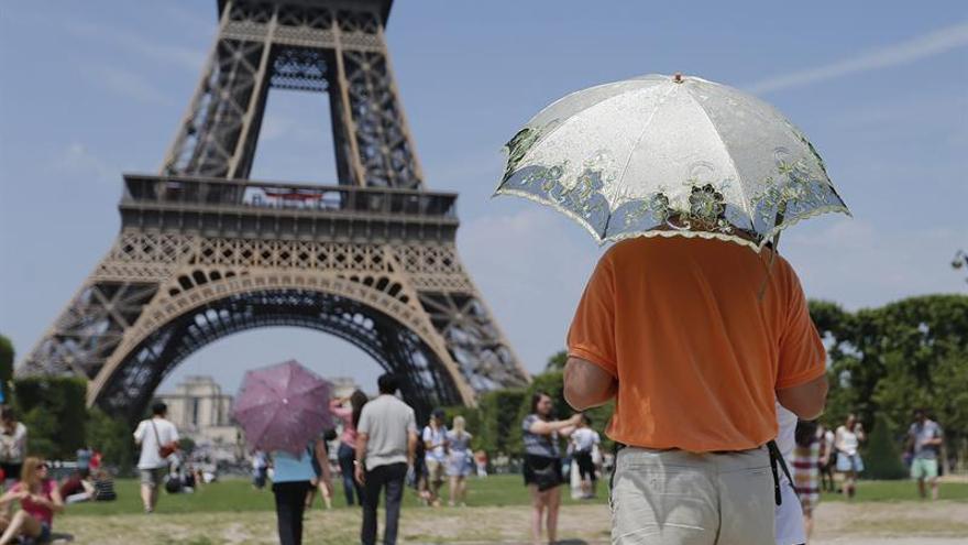 La Torre Eiffel cierra por la huelga general en Francia
