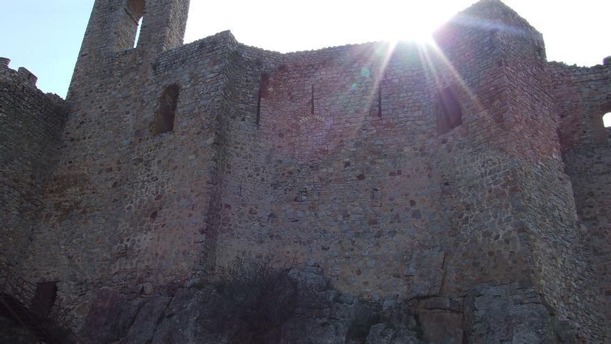 Lienzos del Castillo de Calatrava la Nueva, sede de la orden militar encargada de contener los avances de los musulmanes por la Meseta. José María
