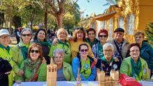 Varios de los participantes en el proyecto 'Ciutat Ciidadora' de San Isidro, en la fiesta de presentación