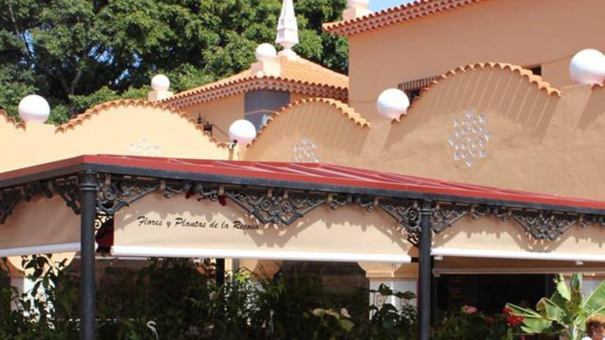 Puesto de flores y plantas en la Recova de Santa Cruz de Tenerife