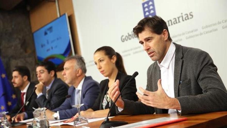 Imagen de la rueda de prensa celebrada este jueves en Presidencia de Gobierno en su sede de Tenerife.
