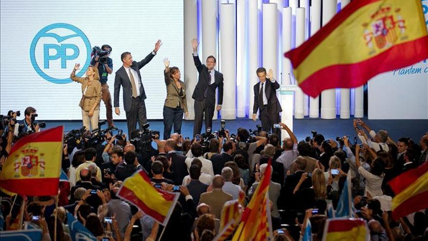 """Rajoy pide el voto al PP para """"salir del túnel"""" y """"ver la luz"""" en Cataluña"""