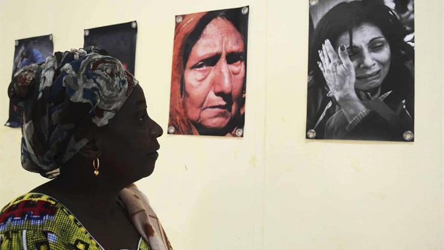 El fotógrafo Gabriel Tizón expone en Guinea Bissau el drama de los refugiados
