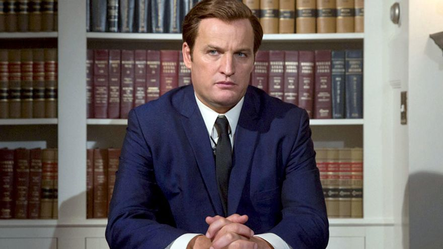 El actor Jason Clarke interpretando a Ted Kennedy