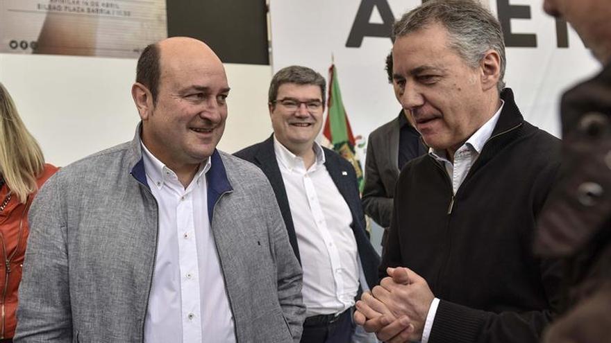El PNV pide bilateralidad con el Estado y la izquierda abertzale la república vasca