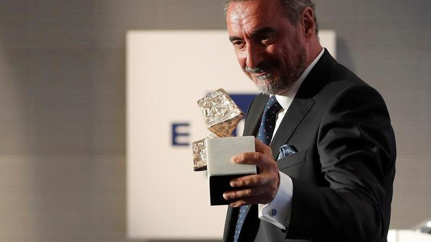 Carlos Herrera recibe el XVII premio de comunicación 'Manuel Alonso Vicedo'