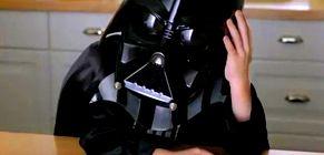 El pequeño 'Darth Vader' del famoso anuncio de TV, operado a corazón abierto