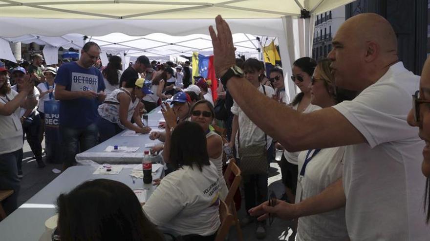 El opositor venezolano confía en que la consulta contra Maduro abra camino a la paz
