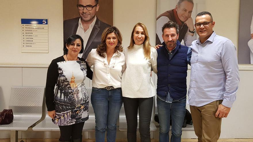 Carmen Luisa Castro (segunda por la izquierda), en una reciente visita a 'Sálvame', programa de Tele 5