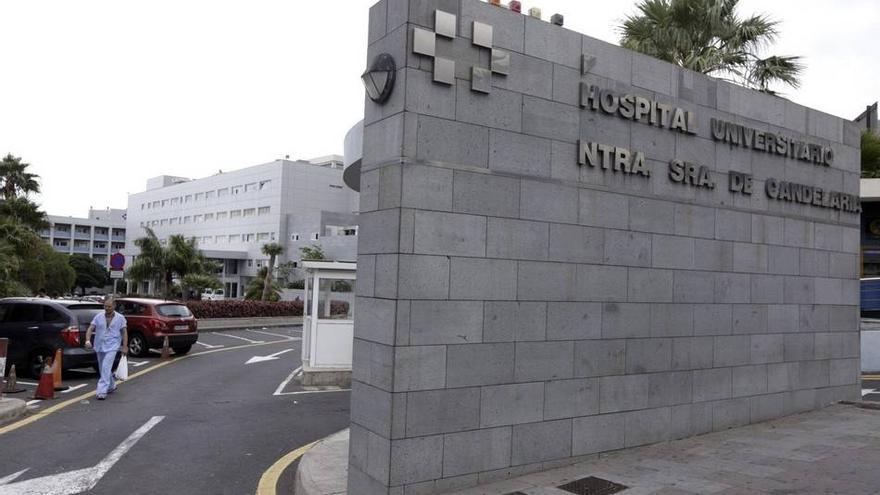 Entrada al Hospital Universitario Nuestra Señora de La Candelaria.