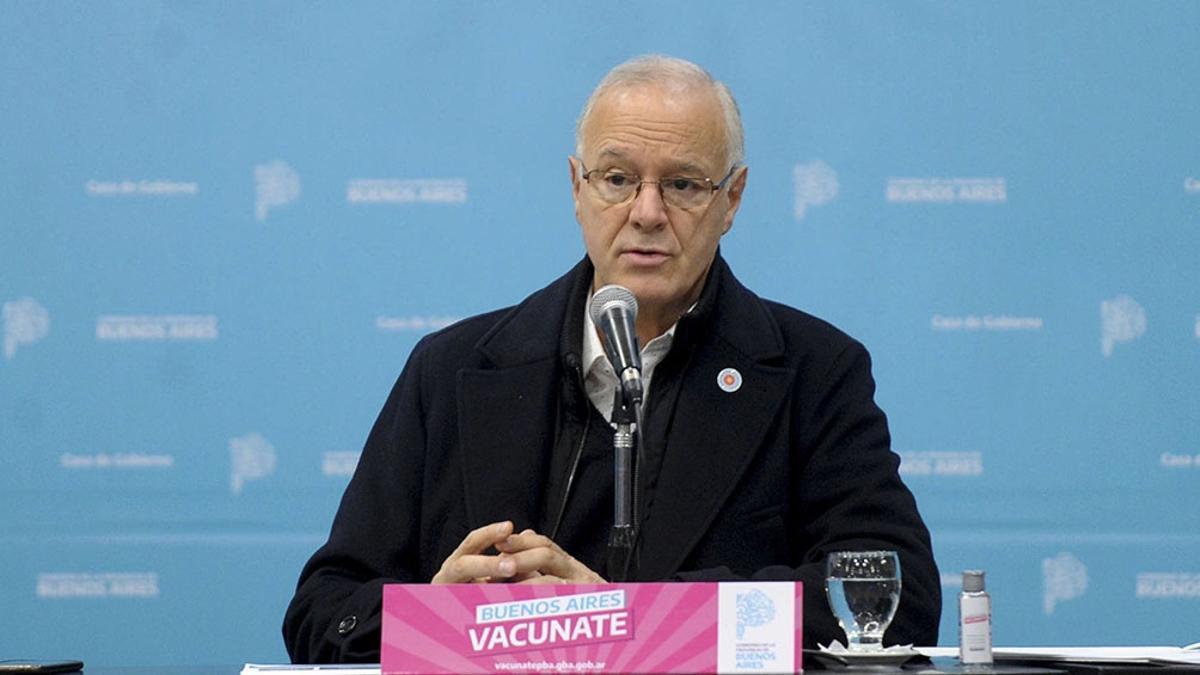 """Daniel Gollan aseguró que todas las vacunas contra el coronavirus que se aplican en el país """"son eficientes""""."""