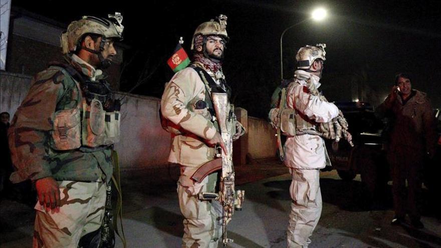 Una comisión policial y de la inteligencia afgana investiga el ataque de Kabul