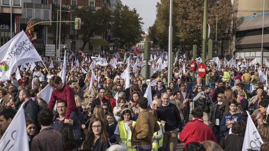 La Policía Nacional cifra la participación en unas 60.000 personas, aunque la organización la sitúa en un millón y medio llegados de 500 autobuses de diversas partes de España. \ Juan Ramón Robles