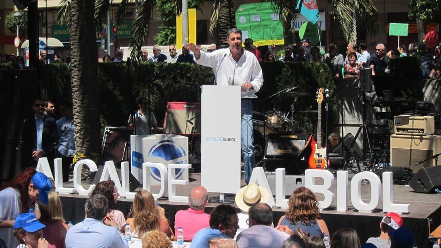 Albiol (PP) aspira a volver a la Alcaldía de Badalona en 2019