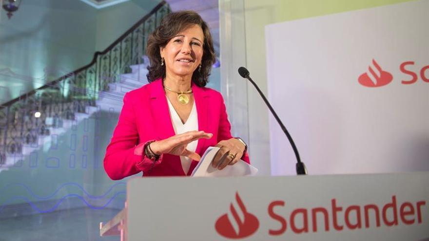 Botín pide en Bruselas igualdad de regulación para banca y gigantes digitales