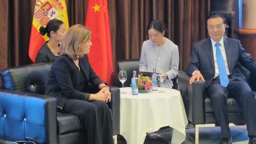 Sáenz de Santamaría se reúne en Palma con el primer ministro de China, quien estará dos días en la isla