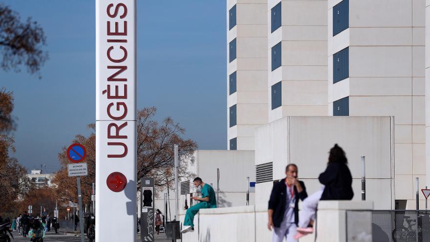 UCI La Fe: La mayoría de los pacientes se contagió en brotes familiares en Navidad