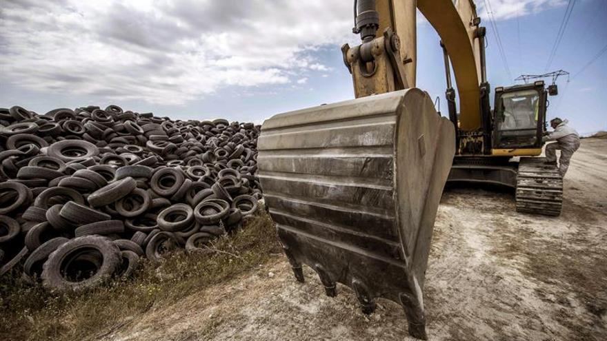 La Comunidad de Madrid destinará 2 millones de euros a retirar los residuos del incendio de Seseña