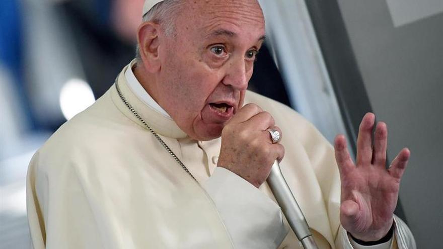 El papa Francisco dice que no es justo identificar al islam con la violencia
